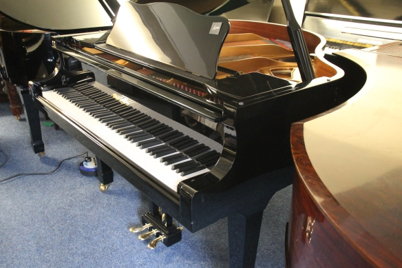 milton_grand_piano_for_sale